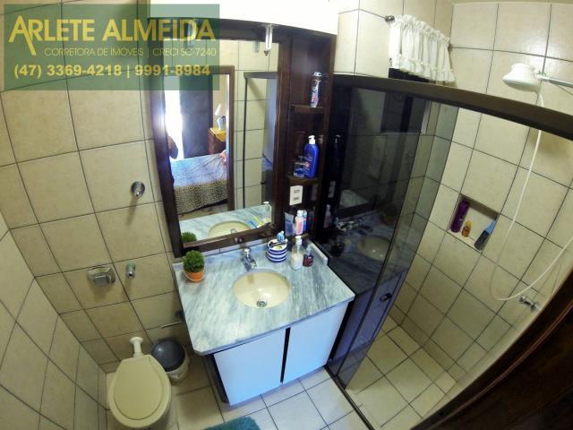 30 - banheiro casa locação perequê