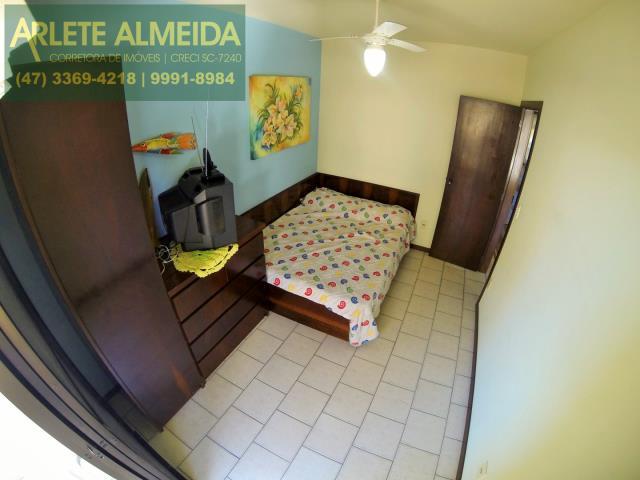 35 - quarto casa locação perequê