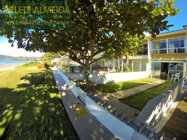 Casa Codigo 214 para Temporada no bairro Perequê na cidade de Porto Belo