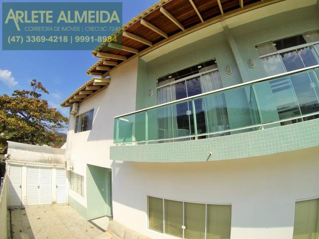 Apartamento Codigo 140 para Temporada no bairro Centro na cidade de Porto Belo