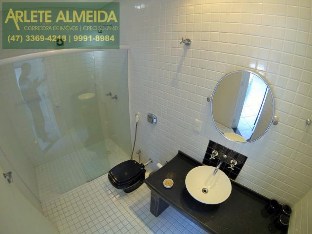 9 - banheiro apartamento aluguel porto belo