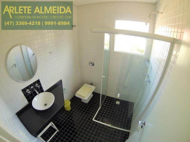 12 - banheiro apartamento aluguel porto belo
