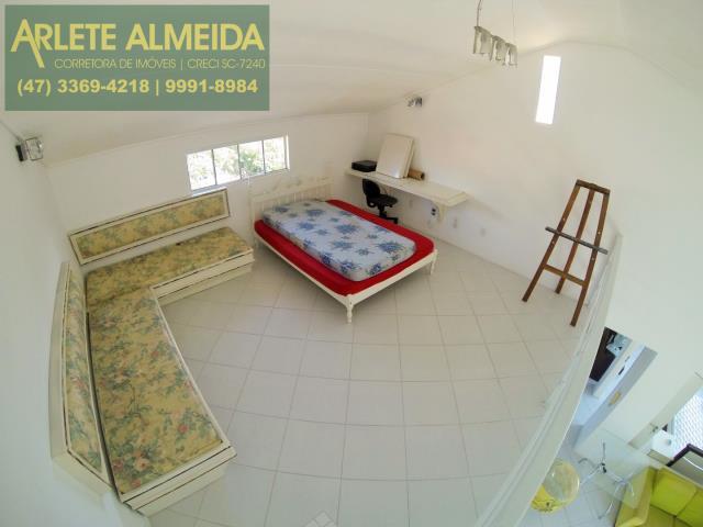 16 - quarto mezanino apartamento aluguel porto belo