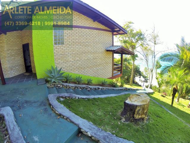 3 - área externa casa locação estaleiro porto belo