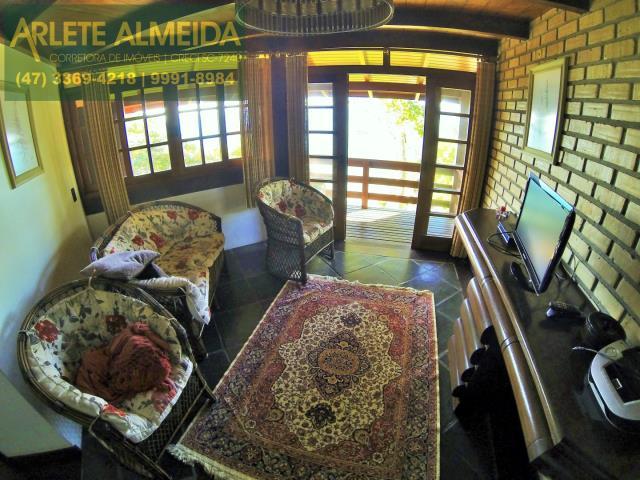 6 - sala de estar casa locação estaleiro porto belo