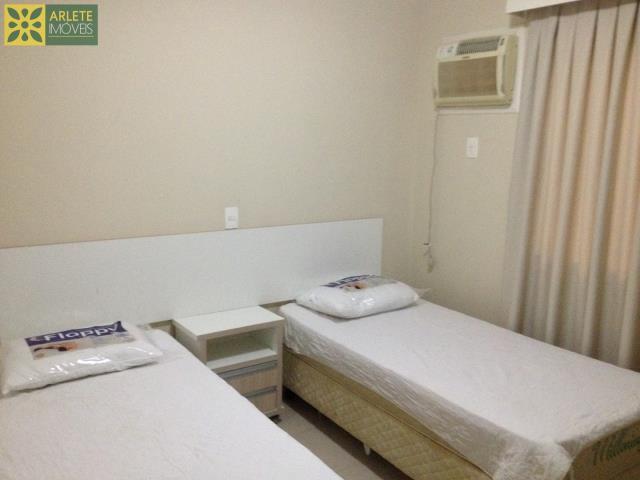 25 - dormitório com duas camas