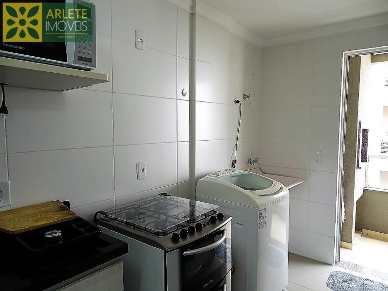 23 - cozinha apartamento locação bombas