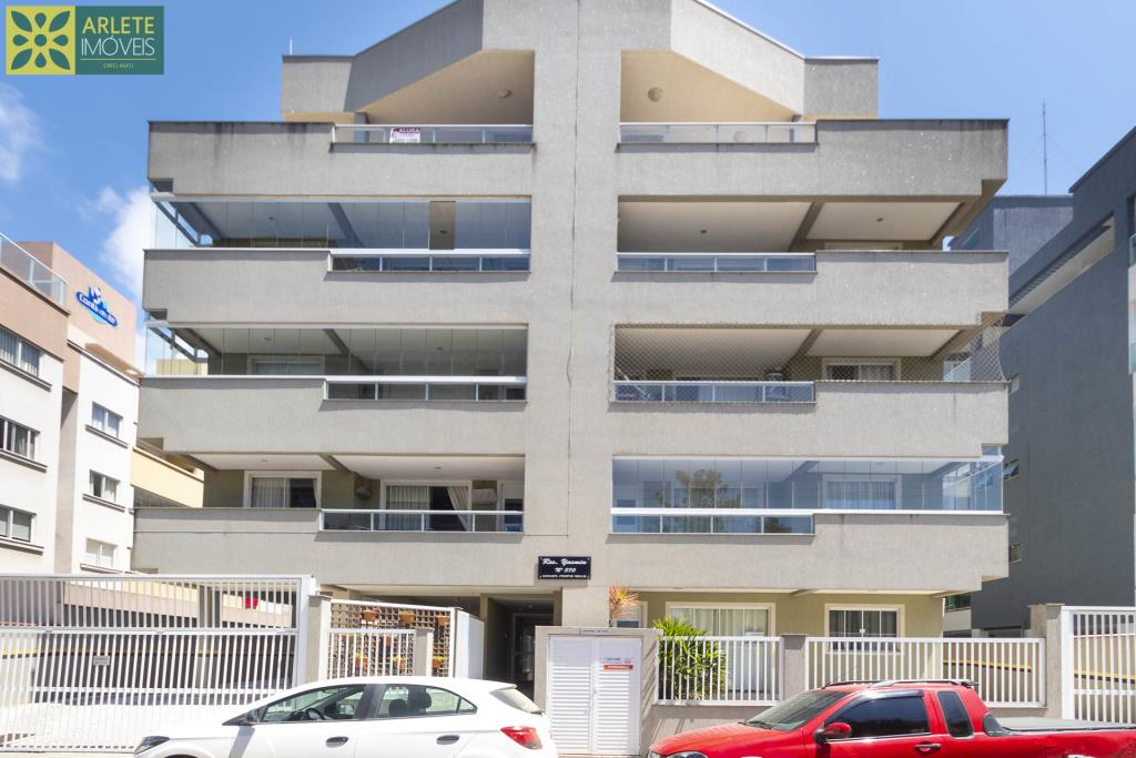 Apartamento Codigo 411 para Temporada no bairro Bombas na cidade de Bombinhas