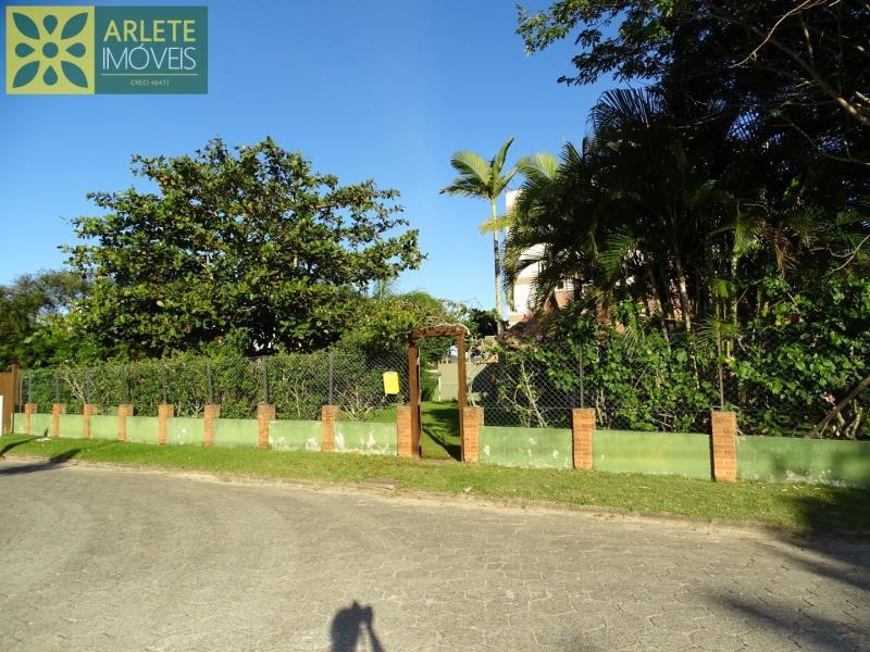Casa-Codigo-504-a-Venda-no-bairro-Mariscal-na-cidade-de-Bombinhas