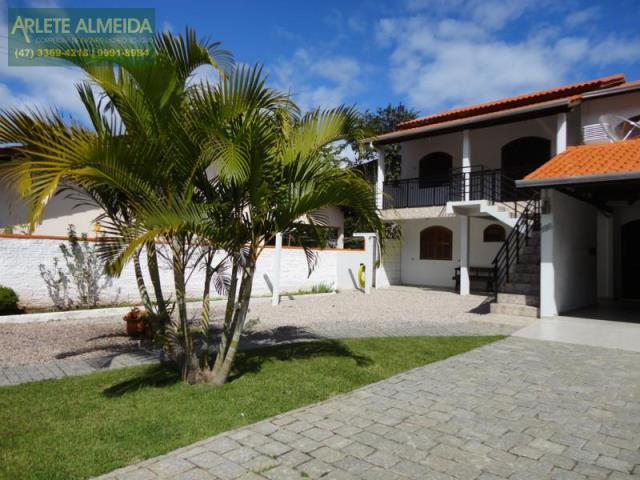 Casa Codigo 168 para Temporada no bairro Centro na cidade de Porto Belo