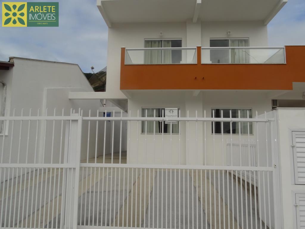 Casa Codigo 175 para Temporada no bairro Centro na cidade de Porto Belo