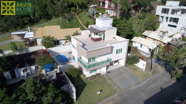 Casa Codigo 811 a Venda no bairro-Centro na cidade de Porto Belo