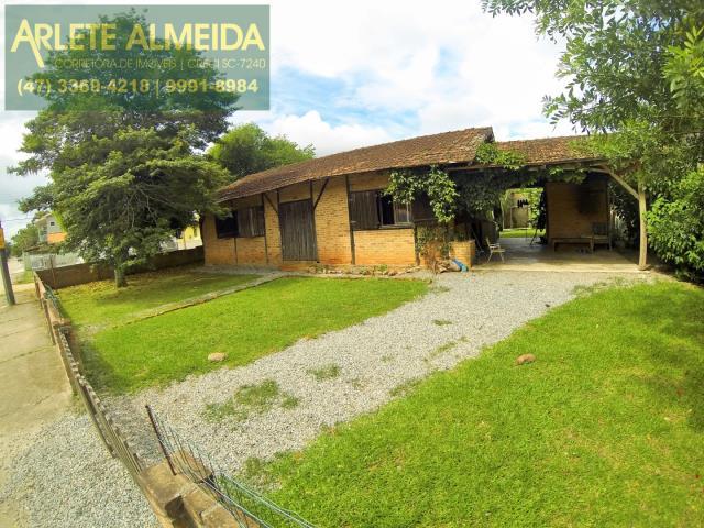 Casa Codigo 722 a Venda no bairro-Centro na cidade de Porto Belo