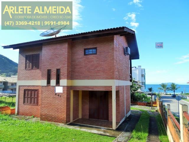 Casa Codigo 382 para Temporada no bairro Quatro Ilhas na cidade de Bombinhas