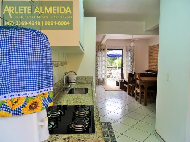 4 - cozinha apartamento locação bombas