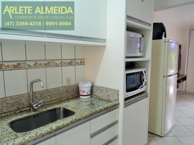 6 - cozinha apartamento locação bombas