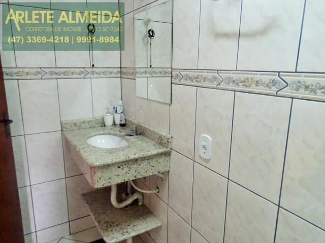 18 - banheiro social apartamento locação bombas