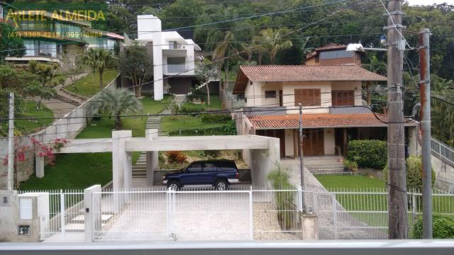 Casa Codigo 1094 a Venda no bairro-Centro na cidade de Porto Belo