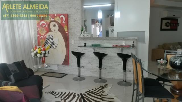 9 - cozinha americana de apartamento a venda balneário camboriú