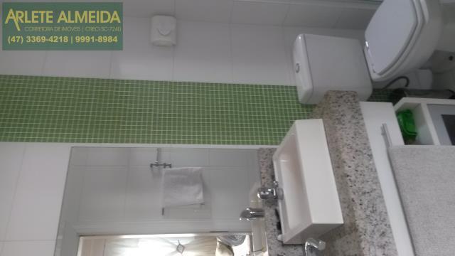 18 - banheiro suíte