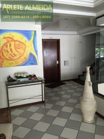 3 - Hall decorado (1) de cobertura à venda, em Bombas/Bombinhas.