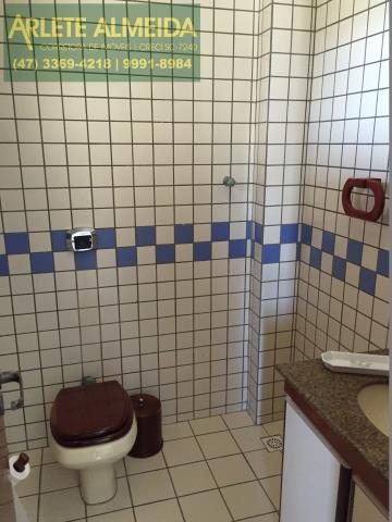 12 - Banheiro Social (foto 1), de cobertura à venda, em Bombas/Bombinhas.
