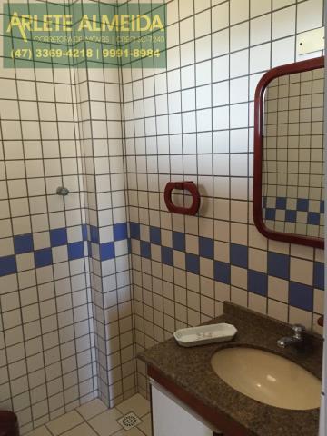 13 - Banheiro Social (foto 2), de cobertura à venda, em Bombas/Bombinhas.