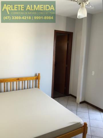 18 - Suíte (foto 1) de cobertura à venda, em Bomba/Bombinhas.