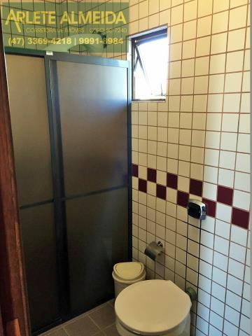 20 - Banheiro suíte (foto 1), de cobertura à venda, em Bomba/Bombinhas.