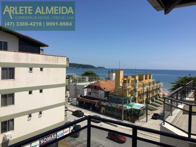 22 - Vista para o mar, de cobertura à venda, em Bombas/Bombinhas.