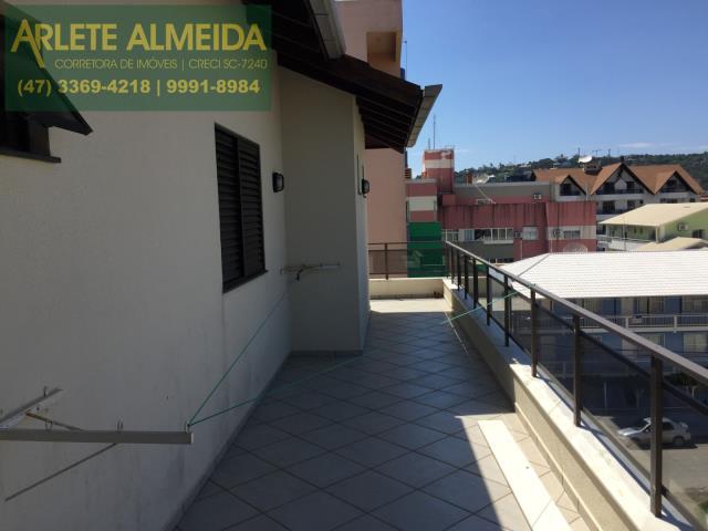 27 - Teraço com vista (foto 3), de cobertura à venda, em Bombas/Bombinhas.