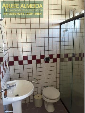 39 - Banheiro da suíte 5 (foto 1), de cobertura à venda, em Bombas/Bombinhas.