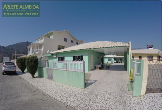 Casa Codigo 199 para Temporada no bairro Centro na cidade de Porto Belo