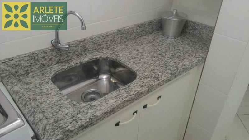 7 - mini cozinha aluguel bombinhas