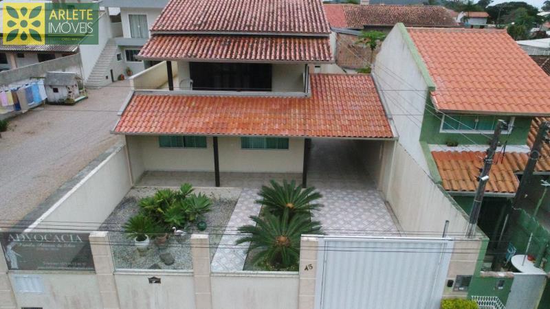 Casa Codigo 1299 a Venda no bairro-Centro na cidade de Porto Belo