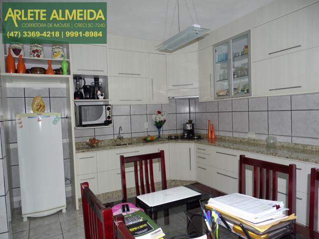 21 - cozinha andar terreo