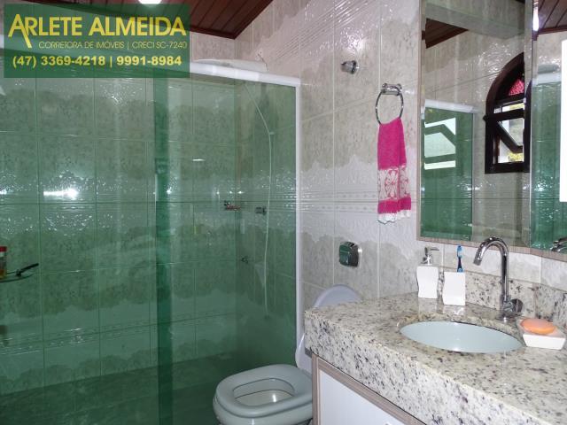 38 - banheiro suite superior
