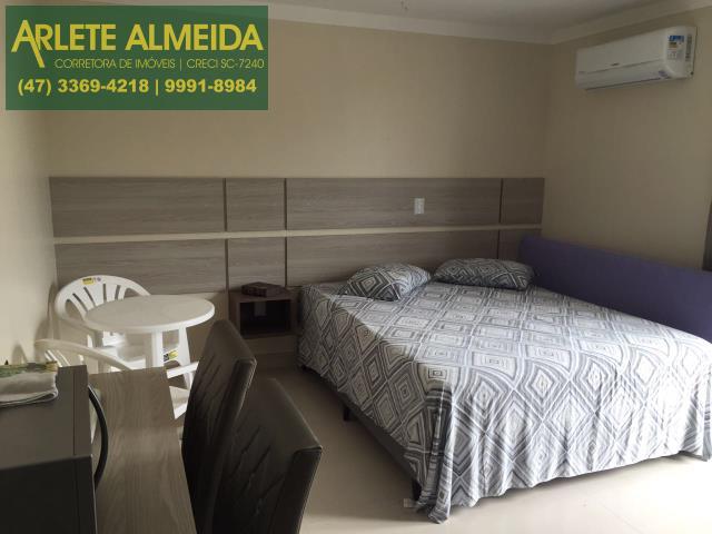 Apartamento Codigo 517 para Temporada no bairro Centro na cidade de Bombinhas