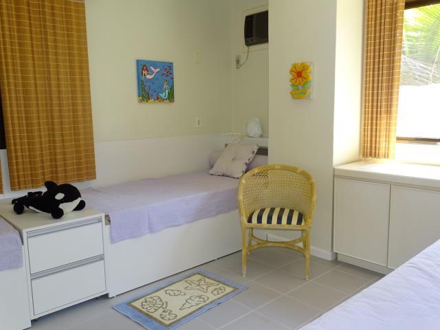19 - Dormitório com tres camas
