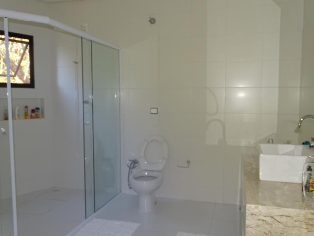 22 - Banheiro Suite casal