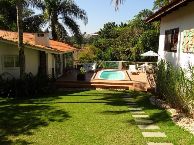 44 - Jardim e piscina