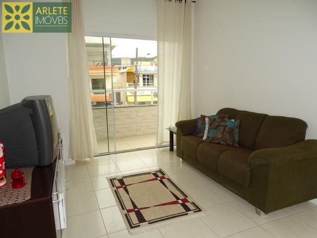 Apartamento Codigo 430 para Temporada no bairro Bombas na cidade de Bombinhas