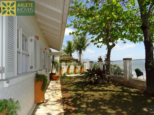 Casa Codigo 241 para Temporada no bairro Perequê na cidade de Porto Belo