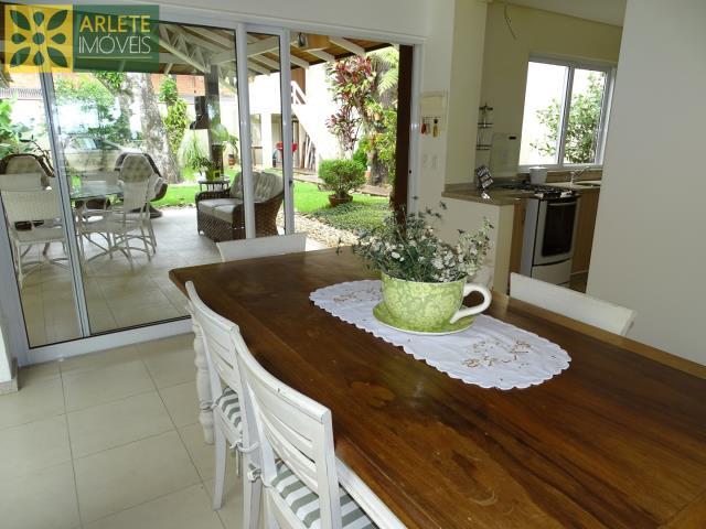 15 - cozinha e área externa imóvel cliente locação porto belo