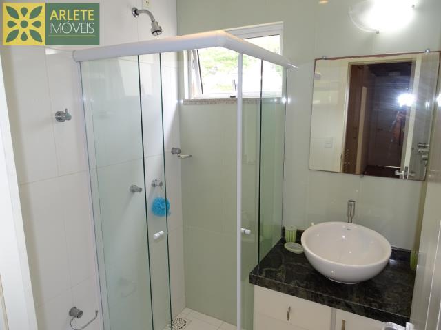 54 - banheiro imóvel cliente locação porto belo