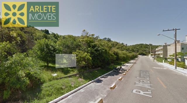 4 - Imagem frontal de terreno à venda, em Quatro Ilhas/Bombinhas/SC