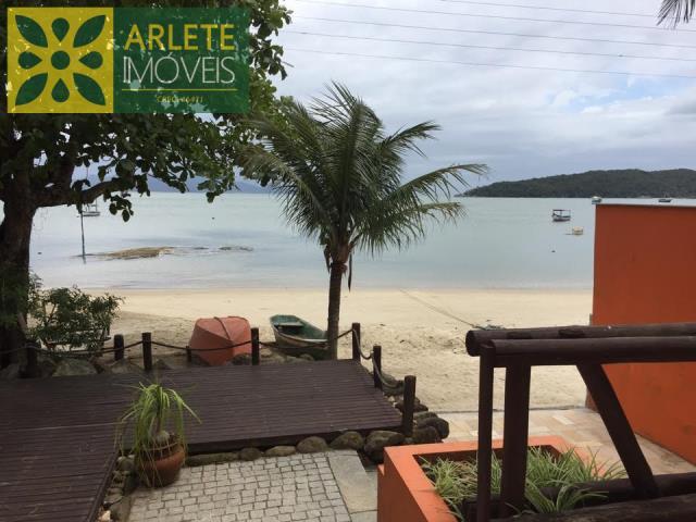 Casa Codigo 52 para Temporada no bairro Centro na cidade de Porto Belo