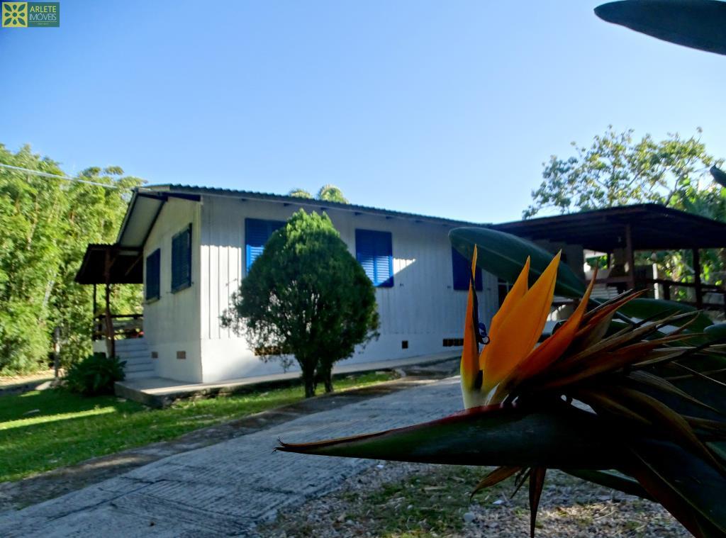 Casa Codigo 374 a Venda no bairro Quatro Ilhas na cidade de Bombinhas