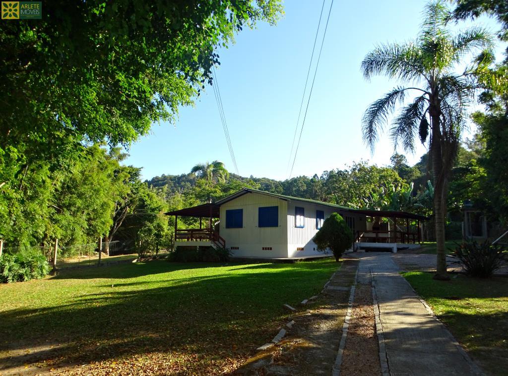 Casa Codigo 373 para Temporada no bairro Quatro Ilhas na cidade de Bombinhas