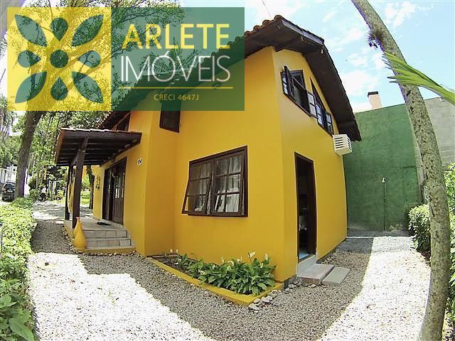 Casa Codigo 305 para Temporada no bairro Centro na cidade de Bombinhas